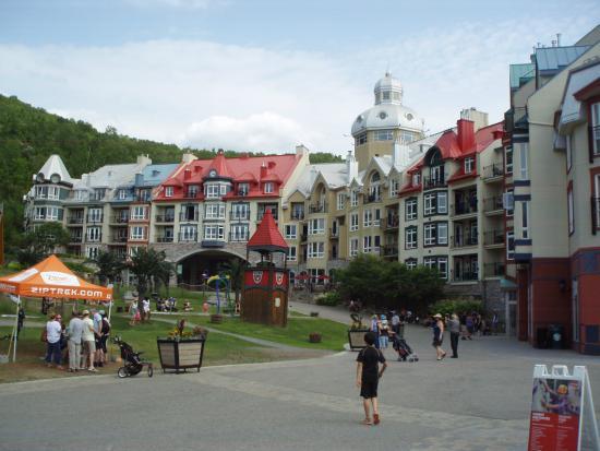 Skyline Luge Mont-Tremblant: Cidade alta