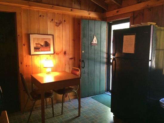 Cozy kitchen dining area - Picture of Porter's Cottages