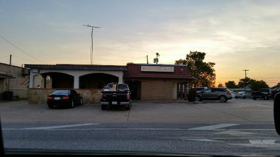 "Hempstead, TX: ""The hole in the wall"" SPRAYGUN"