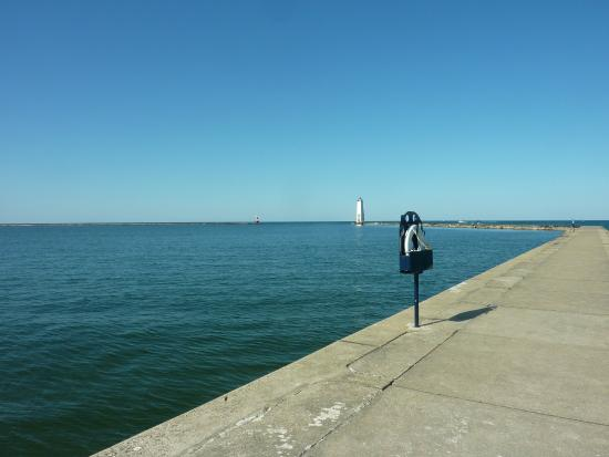 The Frankfort Light: The endless horizon