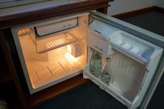 refrigerator in standard room picture of tapae place hotel rh tripadvisor co nz