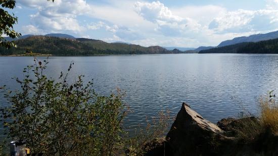 Niskonlith Lake Provincial Park