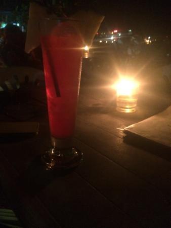 Rafii's Beach Cafe: photo0.jpg