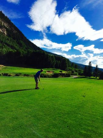 Vail Golf Club : Elevation changes on many holes!