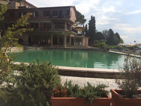 Le piscine termali picture of albergo posta marcucci - Bagno vignoni tripadvisor ...