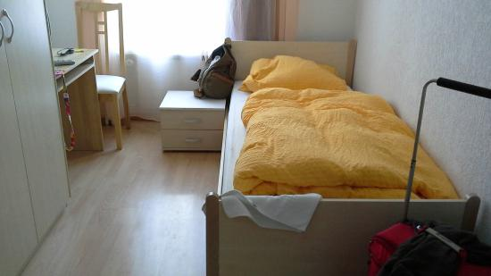 Hotel Edelweiss: bed
