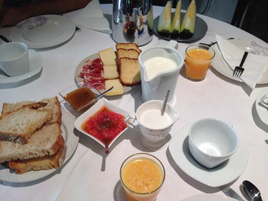 Pazo Cibran: Desayuno Pazo Cibrán