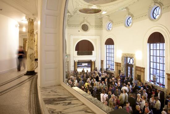 Vlaamse Opera (De) : Opera Antwerp foyer
