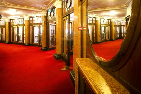 Vlaamse Opera (De) : Opera Antwerp hall