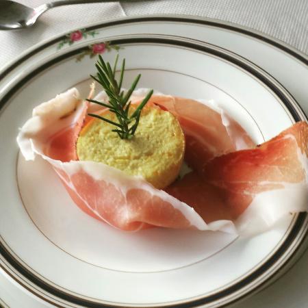 Hotel La Vigna: Buonissimo il tortino con lo spek