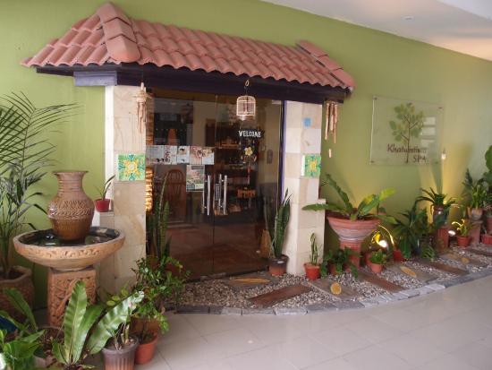 Khatulistiwa Spa صورة فوتوغرافية