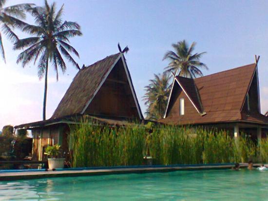 Wisata Air Dan Resort Foto Pemandian Air Panas Cipanas