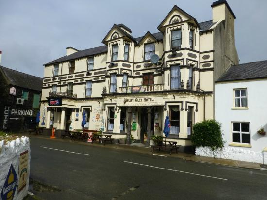 Sulby, UK: Famous Hotel/Pub on the TT course