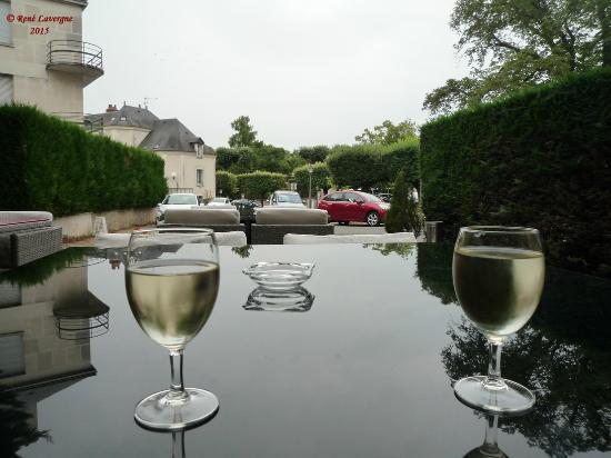 Hotel Anne De Bretagne: pause Sauvignon en terrasse de l'Hôtel Anne de Bretagne - Blois