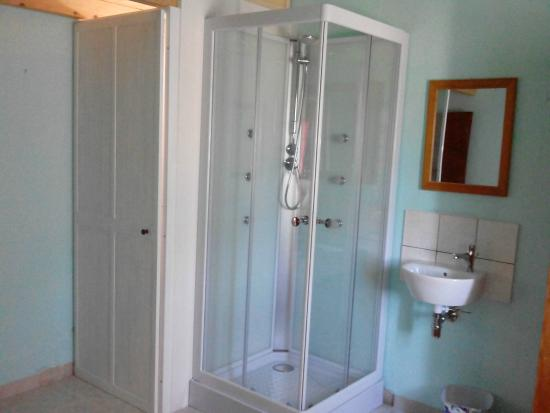 Bed and Breakfast Free Zone: Bagno camera N°1