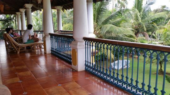 Villa Morjim: Spacious second floor balcony
