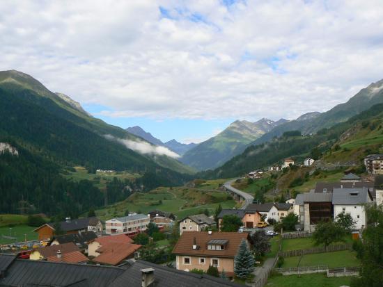 Ardez, Schweiz: Vista dalla camera dell'albergo