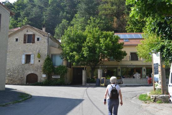 Treschenu-Creyers, ฝรั่งเศส: L'hôtel-restaurant
