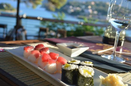 Kukutsi Sushi Bar: 28-07-2015