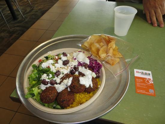 Garbanzo Mediterranean Grill: Delicious! Enough to share