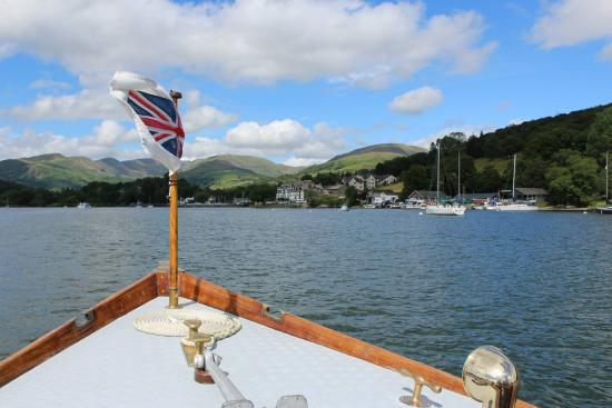 Bowness-on-Windermere, UK: Coming into Waterhead