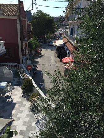 Nikos Vergos: Вид с балкона в сторону моря