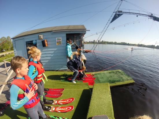 Alphen aan den Rijn, Ολλανδία: Wet and Wild Social Club Watersports