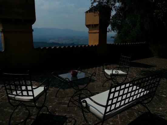 Eremo delle Grazie : corner for daytime mediation or nighttime stargazing