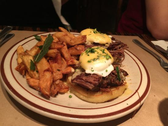 The Beehive: Eggs Benedict with short rib