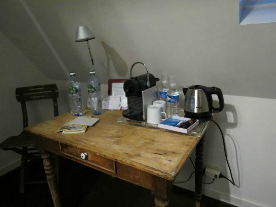 Le Clos Beauvallet : macchina espresso in camera