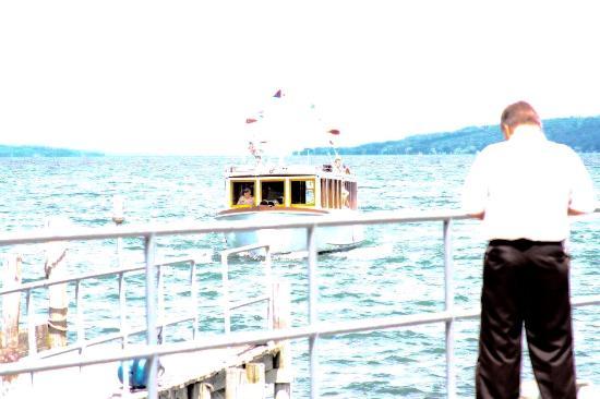 Stroller IV Scenic Boat Ride: The boat
