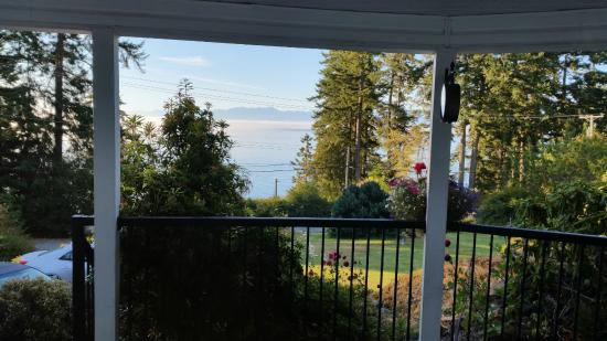 4 Beaches Bed & Breakfast : View to Straight of Juan de Fuca