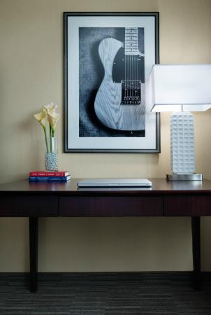 Nashville Airport Hotel Double Guest Room Desk - Fully Renovated for 2015