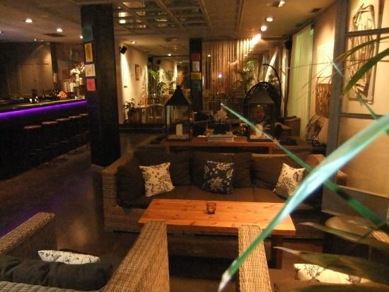 Bonita Bonita Lounge Bar and Tapas: lounge area