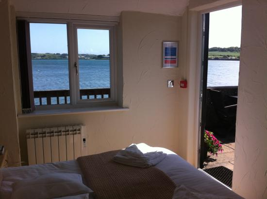 The Old Quay House: Estaury Views from Samphire Rooms