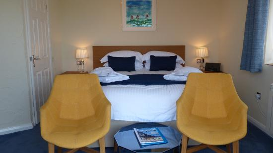 The Old Quay House: Kingfisher En-suite Room with Superking Bed