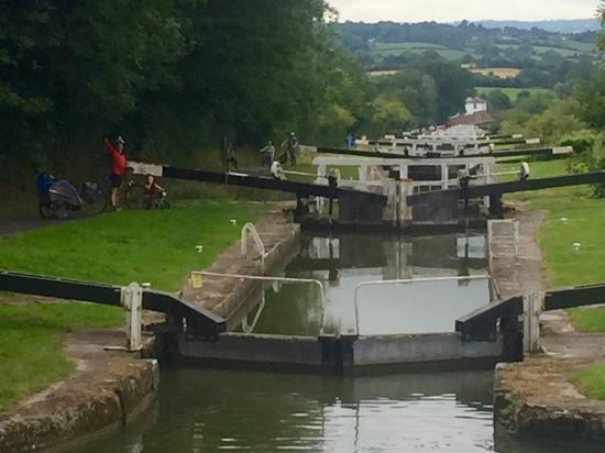 Caen Hill Locks Canalside
