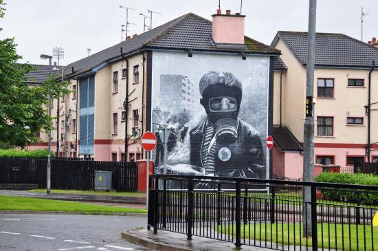 Visit Derry - Visitor Information Centre: Guided Walking Tours