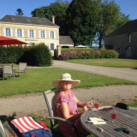 La Fresnee : A picnic outside our room