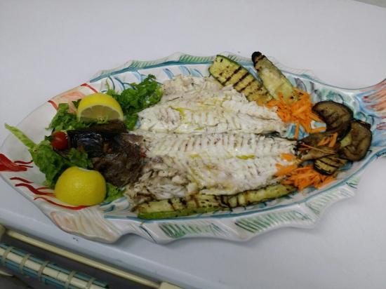 Boukadoura: Special fish tavern !!!