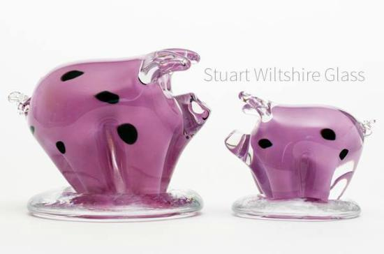 Weymouth, UK: Pigs that i make by hand from solid glass
