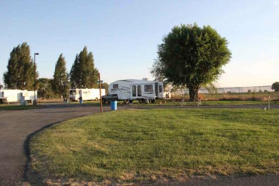 Yakama Nation Resort RV Park: The grounds were spacious