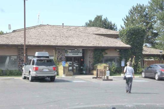 Yakama Nation Resort RV Park: Registration office
