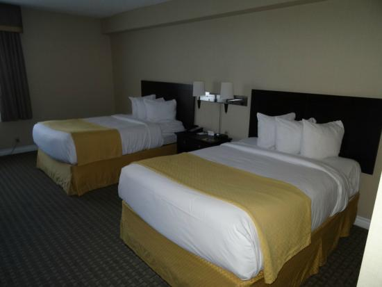 Quality Inn Airport West : chambre