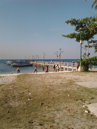 Bangka Island, Indonesien: Dermaga Pantai Tanjung Kelayang