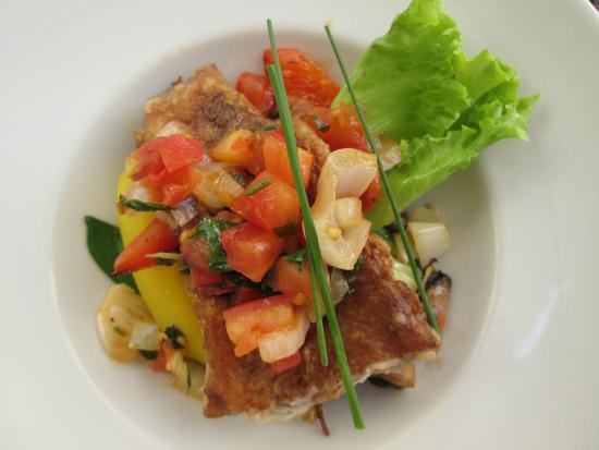 L'Entre-Temps: poisson des roches et légumes frais