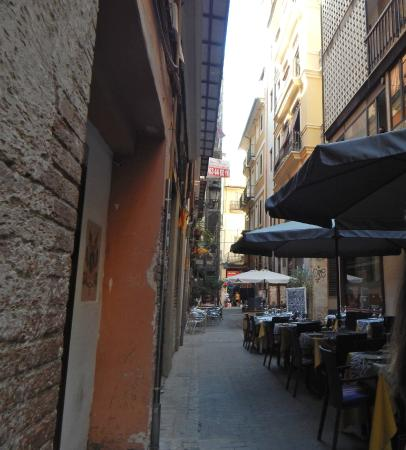 Hostal El Cid Valencia : in questa strada si trova l'hostal