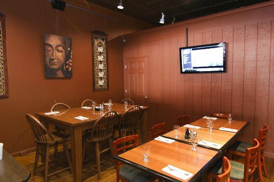 Soulisa's Fine Thai Dining: Back room