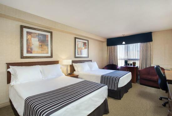 Sandman Hotel & Suites, Calgary Airport: Standard 2 Doubles