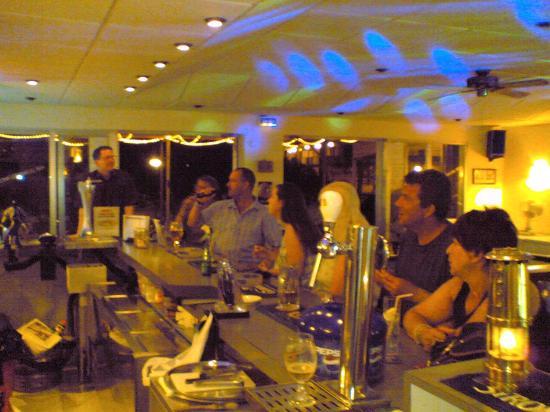 Chepas Bar Cafe: All Having Fun
